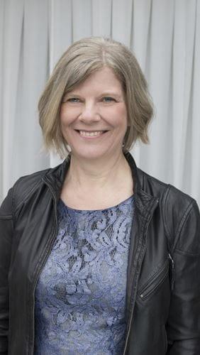 Ellen Tang underviser i klaver på Odense Musikskole