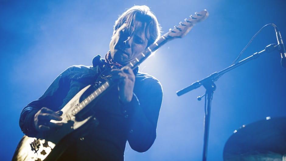 Mikkel Grue underviser i elguitar i Odense Musikskole